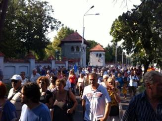 Plimbarea Antenei 3 s-a transformat in protest - Radu Tudor: Basistii descreierati se leaga de un cuvant