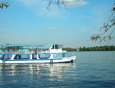 Plimbari gratuite cu vaporasul, pe Lacul Herastrau