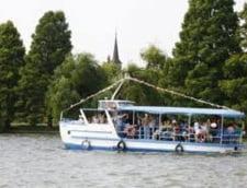 Plimbari gratuite cu vaporasul pe Lacul Herastrau
