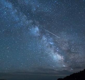Ploaie de stele cazatoare in noaptea de 6 spre 7 mai. Meteoritii provin din coada cometei Halley VIDEO