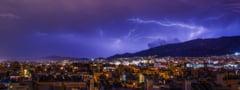 Ploi puternice și furtuni cu grindină în Grecia. Avertizare transmisă de MAE pentru turiștii români