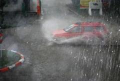 Ploi torentiale in Ploiesti! Mai multe strazi sunt inundate