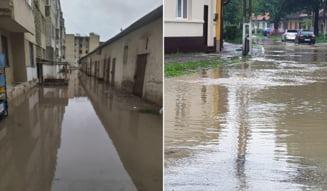 Ploile abundente si-au lasat apele intr-un cartier din Moldova Noua