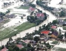 Ploile aduc si inundatii: Cod galben in 5 judete