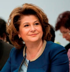 Plumb o ataca pe Gorghiu: Nu va mai protejati coruptii din partid!