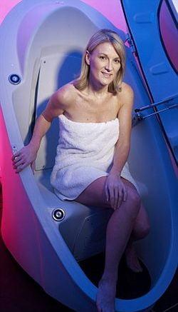 Pod, cabina care stimuleaza productia de colagen si metabolismul