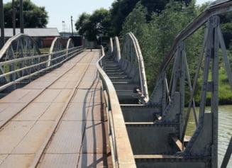 Pod prabușit în Teleorman. Șase muncitori au ajuns la spital după ce o grindă s-a prăbușit cu tot cu ei
