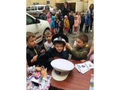 Politia Locala Oradea luata cu asalt de...prescolari