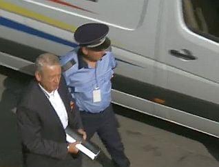 Politia confirma: Oprescu detinea ilegal insulina in celula. Ce risca primarul suspendat (Video)