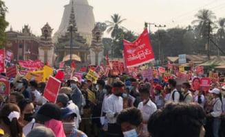 Politia din Myanmar a lansat sambata cea mai mare campanie de combatere a protestelor din tara