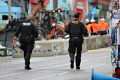 "Politia din Seattle a intervenit in forta pentru a elibera o asa-numita ""zona autonoma"" creata in oras"