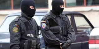 Politia efectueaza perchezitii la mai multi afaceristi din Suceava, Brasov, Ilfov si Bucuresti banuiti de vanzarea componentelor auto contrafacute
