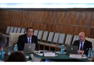 Politicienii romani cu titluri universitare: 11 ministri si 133 de parlamentari sunt doctori universitari