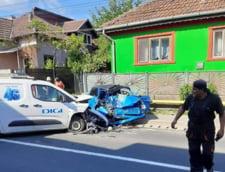 Politist aflat la volanul unui Trabant, mort dupa ce a intrat pe contrasens si a lovit frontal o alta masina
