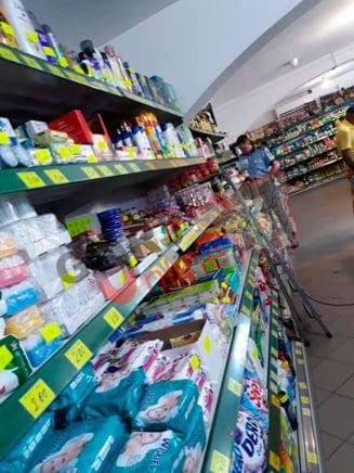 Politist amendat si cercetat disciplinar dupa ce a intrat intr-un magazin fara sa poarte masca de protectie