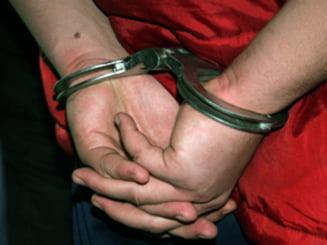 Politist arestat preventiv dupa ce a omorat in bataie un tanar