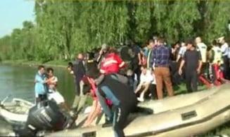Politistii au tras intr-un hot - cadavrul a fost gasit in Lacul Plumbuita