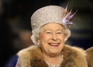 Politistii fura alunele din Palatul Buckingham - regina este furioasa