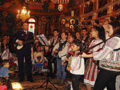 Politistul care promoveaza folclorul romanesc