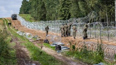 Polonia vrea să construiască un zid cu senzori de mişcare la frontiera cu Belarusul pentru a ține migranții la distanță