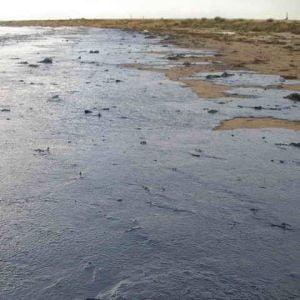 Poluare cu petrol in Arges, din cauza unor hoti