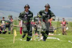Pompieri voluntari din 7 judete, in competitie pe Stadionul de atletism din Buzau