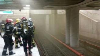 Pompierii au gasit probleme la instalatiile electrice de la metrou. Metrorex nu are bani sa le rezolve