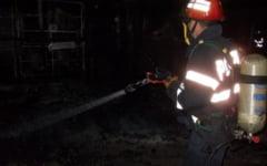 Pompierii salveaza vieti si in timpul liber. Un bistritean care dormea in timp ce un incendiu i-a cuprins casa, salvat in ultima clipa de un angajat ISU