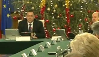 Ponta: Avem un deficit minuscul. Cine vrea buget bun sa nu plece in vacanta!