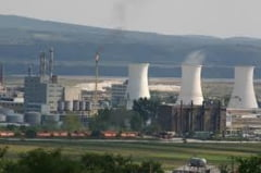 Ponta: CE a emis aviz negativ pentru ajutor de stat la Oltchim