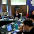 Ponta: Nu dam afara zeci de mii de bugetari - Desfiintam 60.000 de posturi vacante (Video)
