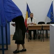 Ponta: PDL-ului ii va fi greu sa explice de ce nu vrea program lung de vot