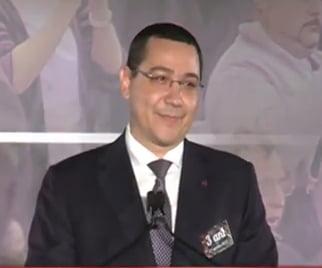 Ponta, criticat ca a folosit o poza cu Iohannis la aniversarea caderii Guvernului MRU: Batjocura!