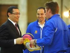 Ponta, dupa ce a primit un echipament al echipei nationale de polo: Il probez la inundatii!