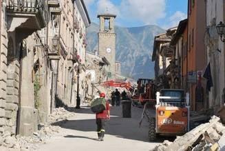 Ponta, mesaj la 4 zile de la cutremurul devastator din Italia: Am vrut sa vad ce zic italienii. Ma bucur ca n-au iesit sa spuna 'Coruptia ucide'
