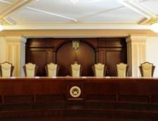 Ponta, ofiter acoperit: CCR a decis ca premierul poate candida la prezidentiale (Video)