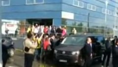 Ponta, primit in Moldova cu huiduieli, la fel ca Basescu: Rusine, rusine, rusine sa va fie!