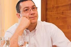 Ponta a primit o nava in miniatura: O pun la Guvern, sper sa nu apara probleme politice