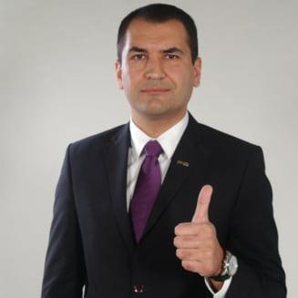 Ponta da raspunsul: Ce il recomanda pe omul lui Dan Diaconescu sa lucreze in Guvern?