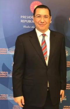 Ponta spune ca Dragnea a amenintat liderii din Tg Jiu ca le taie finantarea de la Ministerul Dezvoltarii daca il implica in campanie