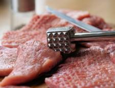 Porcul romanesc va fi interzis la export pentru o perioada. Rusii au aflat de pesta inaintea laboratoarelor