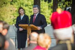 Porosenko vrea sa inlocuiasca limba rusa cu engleza in pasapoartele ucrainenilor