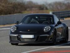 Porsche recheama in service masinile din noul model sport, dupa ce doua au luat foc