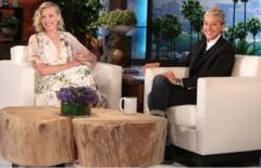Portia de Rossi il acuza pe Steven Seagal de hartuire sexuala. Ellen DeGeneres reactioneaza