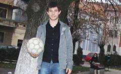 Portret-Stefan Razvan Cristian: din bancile liceului, pe dreptunghiul verde