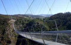 Portugalia va avea cel mai lung pod suspendat din lume. Spectaculoasa structura destinata pietonilor va revigora turismul local VIDEO