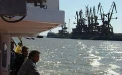 Porturile de pe Dunare nu mai trec in administrarea primariilor