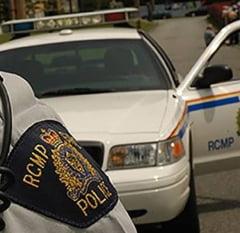 Posibil atac terorist in Canada: Un politist a fost injunghiat, patru pietoni au fost loviti de o duba