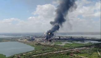 Posibila cauza a exploziei de la Rafinaria Petromidia, in urma careia un om a murit si cinci sunt raniti