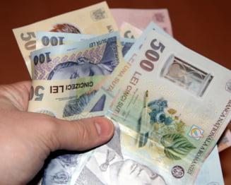 Posibila crestere a pensiilor si salariilor - Puterea, acuzata ca e disperata
